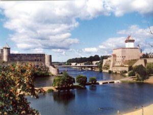 Две крепости - Нарва и Ивангород